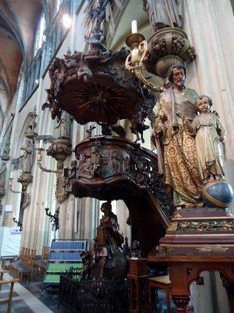 Onze Lieve Vrouwekerk: O Púlpito
