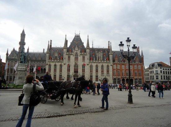 Grand-Place : A Praça Mágica