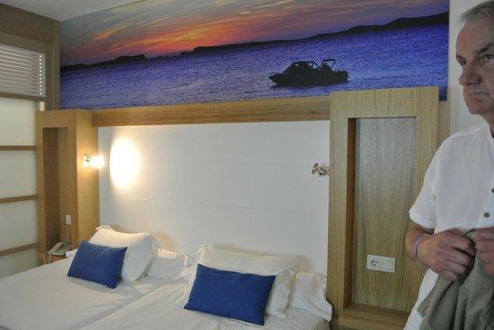 Sirenis Seaview Country Club: Bedroom
