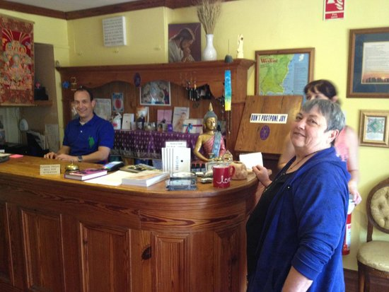 Creacon Lodge Wellness Centre: Your Welcoming Crew at the Reception Desk