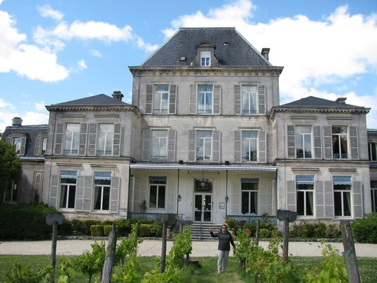 Domaine du Breuil: Front of hotel