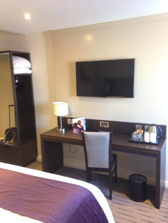 Premier Inn Manchester City Centre - Portland Street: TV