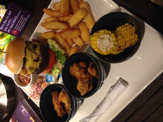 Premier Inn Manchester City Centre - Portland Street : Amazing dinner at the hotel