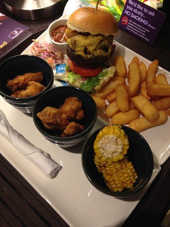 Premier Inn Manchester City Centre - Portland Street: Amazing dinner at the hotel