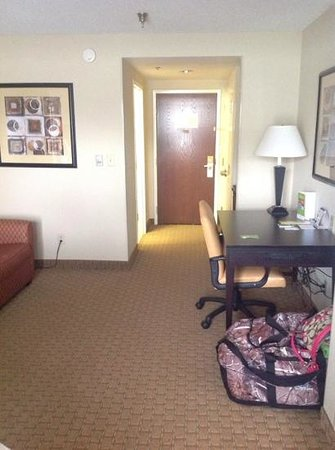 Country Inn & Suites By Carlson, Dalton: entry way