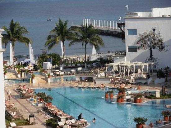 The Royal Playa del Carmen : muy buena pileta
