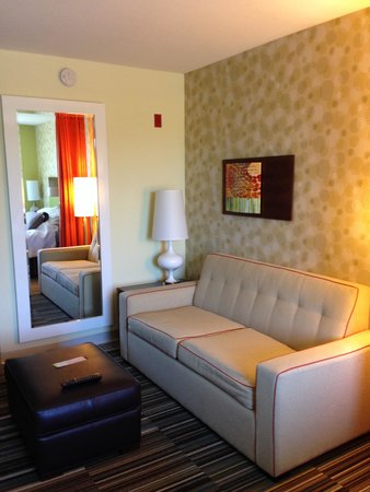 Home2 Suites by Hilton Lexington Park Patuxent River Nas, Md : Sofa