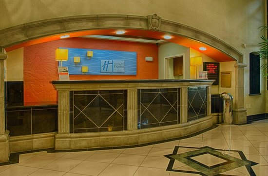 """Holiday Inn Express Hotel & Suites Tucson Mall: Front Desk """"Welcome"""" area."""