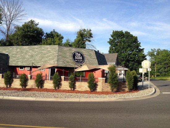 Gregory's Tavern: Alibi bar ... Great food!