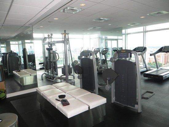 W Atlanta Downtown: gym