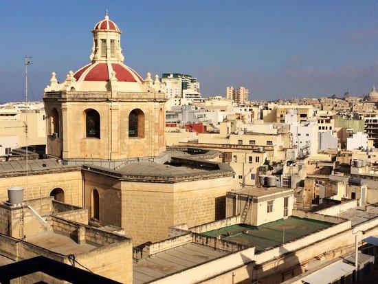 The Palace : Através da janela