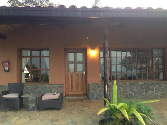 Virunga Lodge: One of the cabins or bandas as they are called