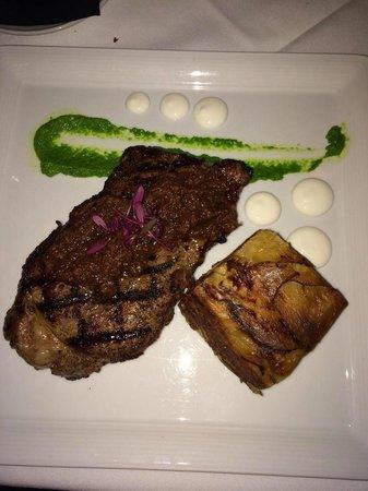 Meridian Restaurant & Bar : 16 0z of tender New York strip