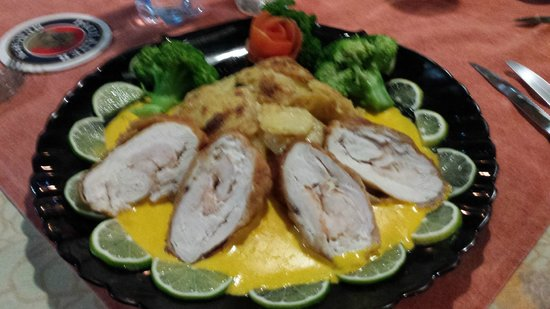 Le Papillon : Day 1 Chicken Breast stuffed wtih shrimp1