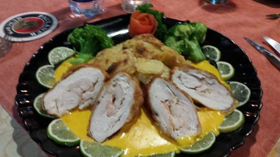 Le Papillon : Day 1 Chicken breast stuffed with Shrimp