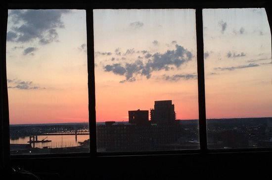 Hyatt Regency Louisville: View of the sunrise from my bed