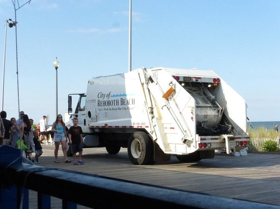 Rehoboth Beach Boardwalk : Keeping the boardwalk clean