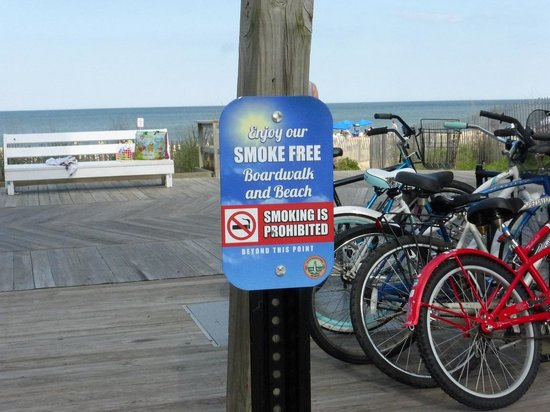 Rehoboth Beach Boardwalk : Smoke-Free Boardwalk & Beach