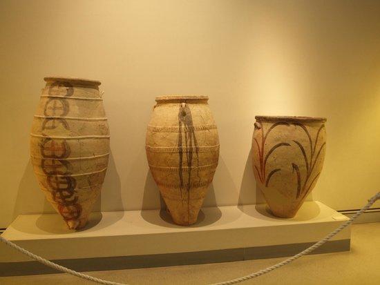 Museum of Prehistoric Thera: Storage vessels from Akortiri
