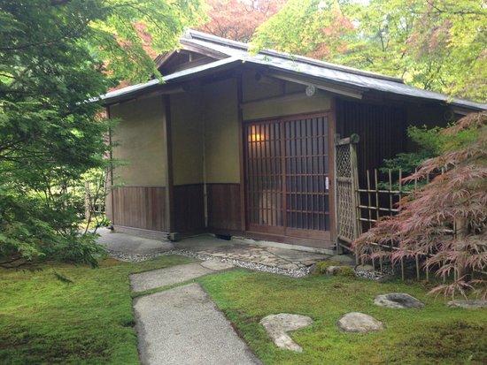 Seattle Japanese Garden: Tea House
