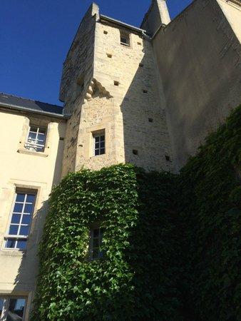 Le Manoir Sainte Victoire : The tower