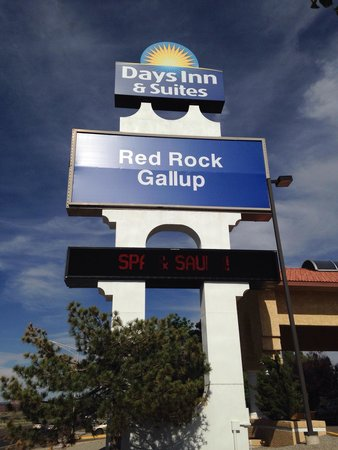 Days Inn & Suites Red Rock-Gallup: Look for the big blue sign.