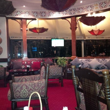 Nairobi Serena Hotel: bar
