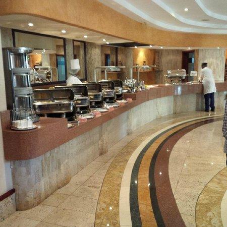 Kigali Serena Hotel : buffet lunch