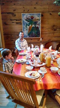 Shezelles: Breakfast time!