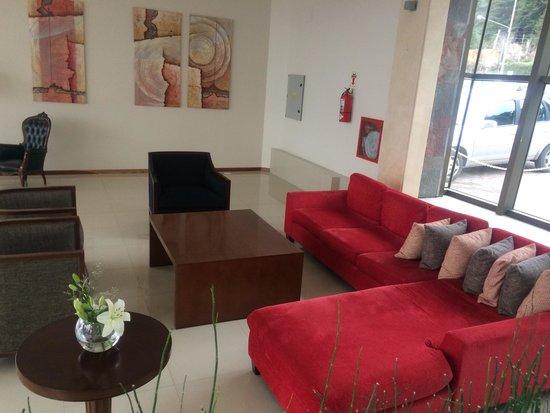 Alma del Lago Suites & Spa : Sala de estar