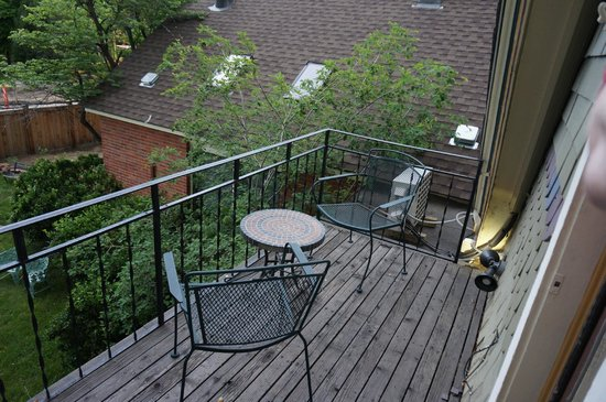 Briar Rose Bed and Breakfast: Huron Room Balcony