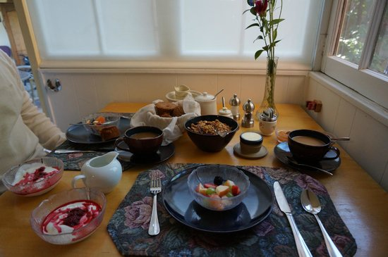 Briar Rose Bed and Breakfast: Breakfast
