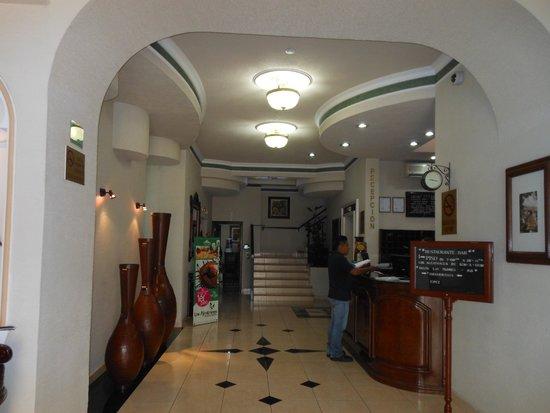 Hotel Casino Plaza: Recepción