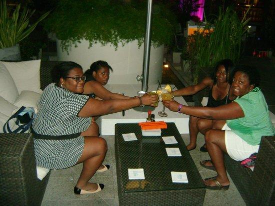 La Concha Renaissance San Juan Resort: Having drinks near the pool