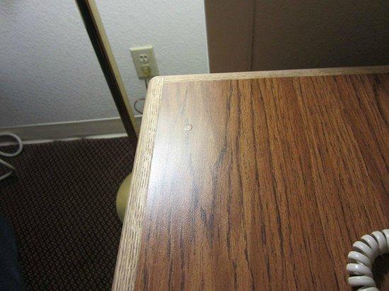 Super 8 Ankeny/Des Moines Area: Goop on the desk