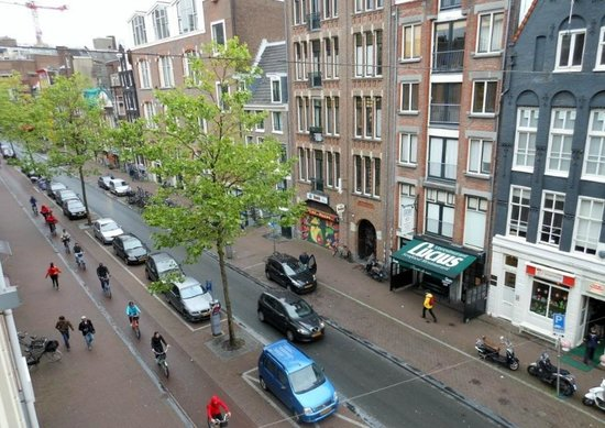 Hotel Estherea: View of Spuistraat From Room