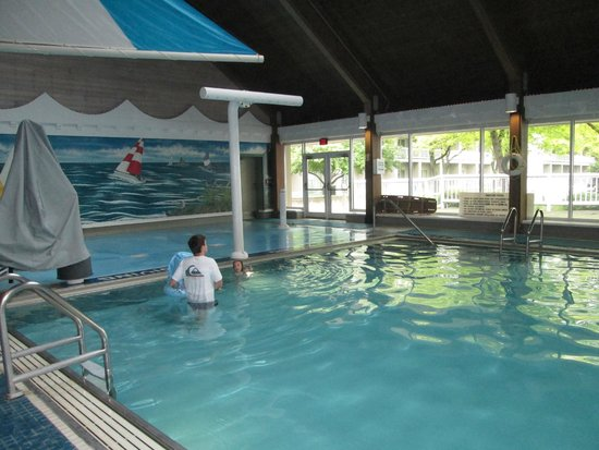 Maumee Bay Lodge and Conference Center: Indoor pool and splash pad