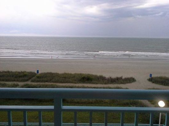 Roxanne Towers: Amazing view from our balcony.