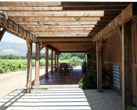 Robert Biale Vineyards: Tasting patio