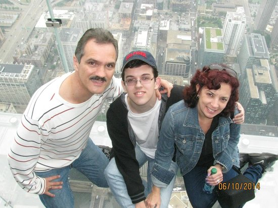 Skydeck Chicago - Willis Tower : High on 103rd floor