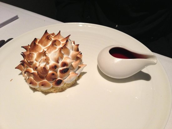 Chill Dining & Wine Bar: Bombe Alaska... Very sweet!