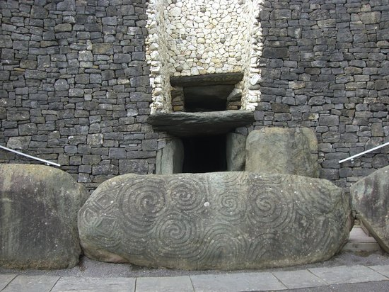 Bru na Boinne: Passage tomb entrance
