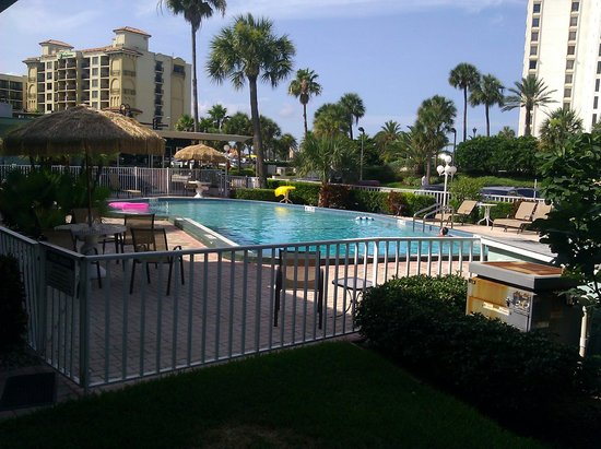 Clearwater Beach Hotel Suites: Pool Area
