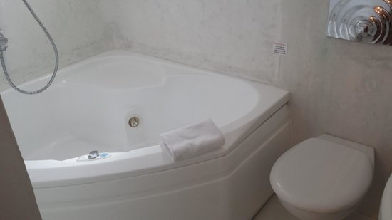 Rocabella Santorini Resort & Spa: Bathroom