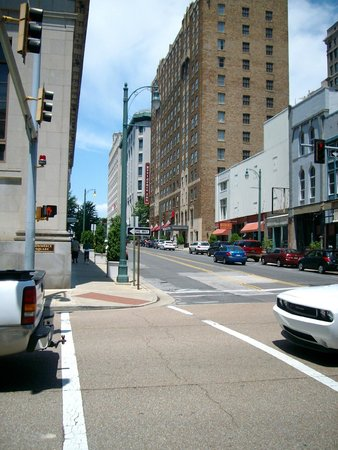 Residence Inn Memphis Downtown: The location is wonderful in Memphis!
