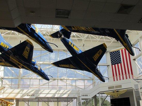 Museo Nacional de Aviación Naval: Inside the museum
