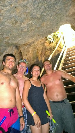 Selva Maya Eco Adventure: Family in the cave