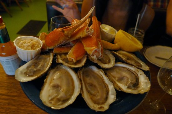 Liverpool House: Crab and oyster plate