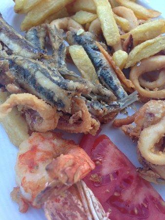 Niko's Taverna: Deep fried seafood platter