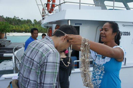 Conrad Bora Bora Nui: 帰りはレイでお別れの挨拶。ささやかな気配りが嬉しかったです。